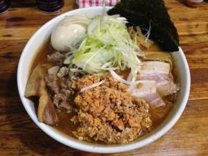 大山鶏と干エビの濃厚スープ アンキモと肩のロース粗ミンチ悪魔肉の相かけ悪魔ラーメン150217